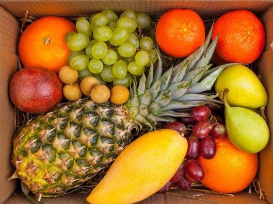 Коробка с фруктами- Витаминка - купить с доставкой по Москве и области.