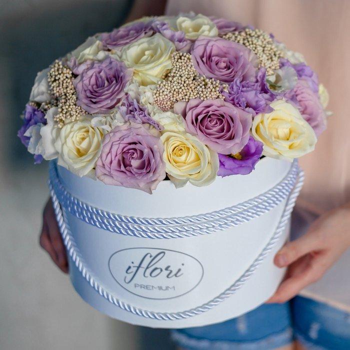 Букет фиолетовых роз в коробках фото